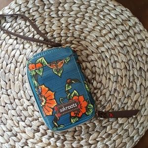 "Sakroots Colorful zippered wristlet 6""x4"""